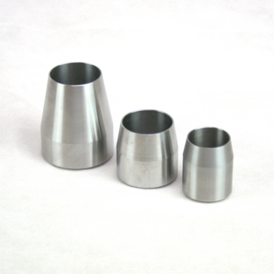 Different sized expanders used on pulling cable for Pipe Puller operation